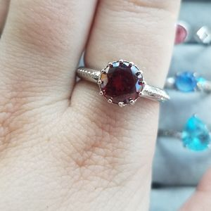 Jewelry - Sz9 Red Crown Ring